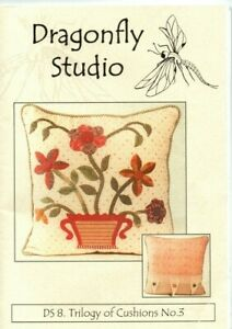 Applique, quilting pattern for a cushion. 'Flowerpot' Dragonfly Studio.