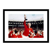 England 1966 World Cup Final Bobby Moore & Team Photo Memorabilia (220)