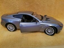 James Bond 007 Aston Martin V12 Vanquish Die Another Day 1:18 Scale Model Car