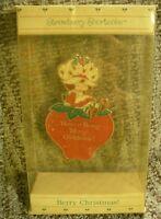 NOS Vintage 1984 Strawberry Shortcake Berry Merry Christmas ORNAMENT AO-304 AG