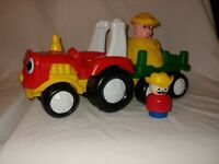 Fisher Price Little People Tractor With Pop-up Pig Music/Sounds - Works!