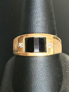 MEN'S YELLOW GOLD ONYX & DIAMOND SIGNET RING SIZE 10.5