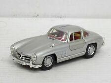 Mercedes-benz 300 sl Coupe en plata, interior rojo, Hongwell, o. OVP, 1:43 (HV)