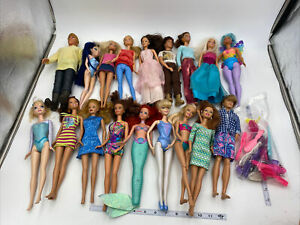 18 Mattel Barbie Lot Dolls With Clothes Mostly 1999-2000's Disney