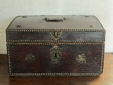 MALLE COFFRE BOIS GAINEE CUIR FER FORGE XVII E SIECLE HAUTE EPOQUE LEATHER CHEST