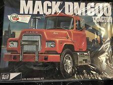 MPC 1/25 scale Mack DM 600 Tractor open