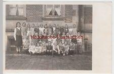 (F6639) Orig. Foto Schulklasse, Mädchen mit Lehrerin