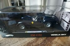 1:18 HOT WHEELS ELITE FERRARI 250 GTO VANILLA SKY
