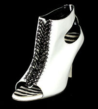 MANOLO BLAHNIK White Leather Cut-Out & Metal Chain Front Heels Booties 38.5