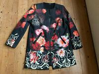 Caban Mantel von Influx schwarz bunt Rosen Ornamente Wolle Mix Frühling 40 42