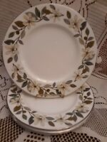 """Wedgwood China England 4 BEACONSFIELD Platinum Trim 9"""" Luncheon or Brunch Plates"""
