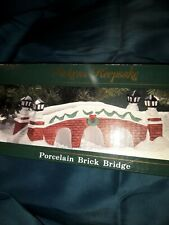 Lemax Lighted Village Porcelain Lamp Bridge Brick w Green Garland & Wreath Nice!