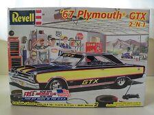 REVELL - (1967) '67 PLYMOUTH HEMI GTX - (2 'N 1)  MODEL KIT (SEALED)