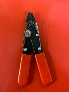 "Xcelite 103S Wire Strip/Cutter 5-1/4"" small wire striper/ wire cutter"