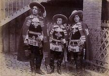 Lyon France Les Trois Mousquetaires Photo d'un amateur éclairé Vintage citrate