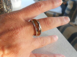 UNISEX TITANIUM SILVER BAND INLAID WITH A WOODEN FINISH, SMOOTH COOLNESS, SIZE V
