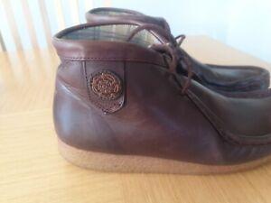 Nicholas deakins Size 7 boots