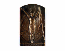 """Bronze medal """"Woman with upheld arms holding a flag"""" 1930 Joseph Witterwulghe"""