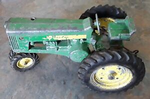 Vintage John Deere Ertl Tractor and Manure Spreader Made in USA Please Read Note