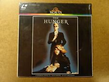 LASERDISC / THE HUNGER (CATHERINE DENEUVE, DAVID BOWIE, SUSAN SARANDON)