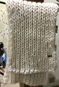 Cream Chunky Bench Woolly Scarf