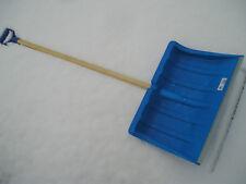 Schneeschieber Kunststoff Alukante Holzstiel D-Griff Schneeschaufel