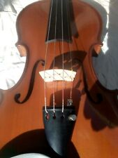 Beautiful Full Size Romanian Violin plus accessories.