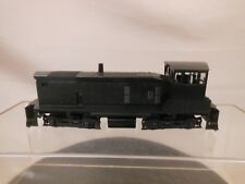 HO SCALE ATHEARN UNDECORATED SW 1000 LOCOMOTIVE PARTS/REPAIR