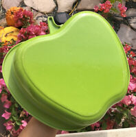 "Le Creuset Apple  1.8L ENAMELLED CAST IRON APPLE DISH , Green 11""x10""x2"""