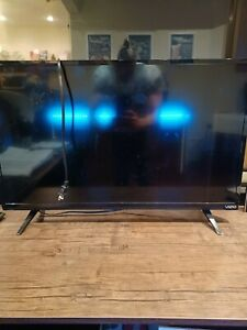 "Vizio D32h-D1 32"" Class HD Smart TV - Black"