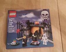 NEW!!  2017 LEGO 40260 HALLOWEEN HOLIDAY BOXED SET  W/SKELETON & VAMPIRE GATE