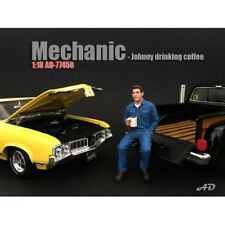 MECHANIC JOHNNY DRINKING COFFEE FIGURE 1:18 SCALE BY AMERICAN DIORAMA 77450