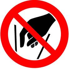 Hineinfassen verboten - Verbotszeichen nach ISO 7010, Aufkleber