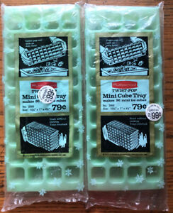 VINTAGE 1970 Rubbermaid Mint Green MINI ICE CUBE TRAY in Packaging!!