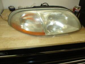 Ford 99-03 WINDSTAR VAN Headlight Head Lamp Assembly RH RIGHT PASSENGER USED