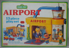 TYCO CTW VTG 1993 SESAME STREET AIRPORT 13 Pcs PLAYSET EUROPEAN SET MISB SEALED