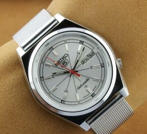 VINTAGE SEIKO 5 EXCELLENT SILVER  DIAL AUTOMATIC JAPAN MEN'S  WRIST WATCH 37.5mm