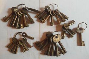 Large job lot of vintage brass padlock keys