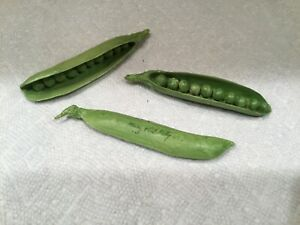 3-Rare Vintage Mary Kirk Kelly Peas in a Pod Ceramic Art Pottery as is