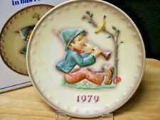 """Goebel Hummel 1979 Annual Plate """"Singing Lesson"""" New In Box *See Note*"""