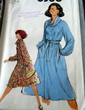 *LOVELY VTG 1970s DRESS Sewing Pattern SMALL Uncut
