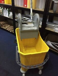 Professional 24 Litre Kentucky Mop  System  With Wheels