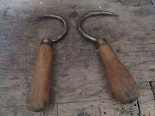 Paire d'anciens tires-foin-outils agricoles-de paysan-art populaire