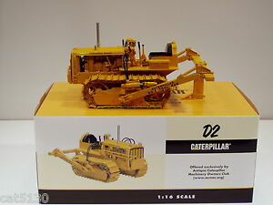 Caterpillar D2 Crawler w/ Ripper - 1/16 - Spec Cast #CUST780 - MIB