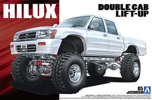 1:24 Scale Aoshima Toyota LN107 HILUX Pickup Double Cab LIFT UP '94 Model Kit #1
