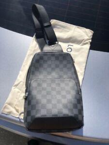 louis-vuitton avenue sling bag