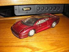 1/24 Maisto Jaguar XC 220 Exotic Right Hand Drive Sports Car Free Shipping