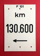 Escudo de plástico f 101 km 130.600 ferrocarril tramo ferroviario?