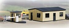 Walthers Cornerstone - Cornerstone Series® Yard Office & Details - Kit - HO
