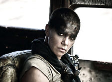 PHOTO MAD MAX FURY ROAD - CHARLIZE THERON (P4) FORMAT 20X27 CM